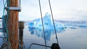 Ilulissat Rodebay iceberg bleu bateau