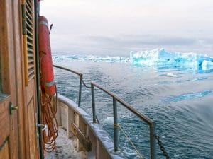 Groenland en hiver Rodebay bateau Iceberg