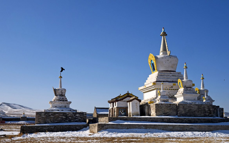 Erdene Zuu Mongolie palais ciel bleu neige montagnes