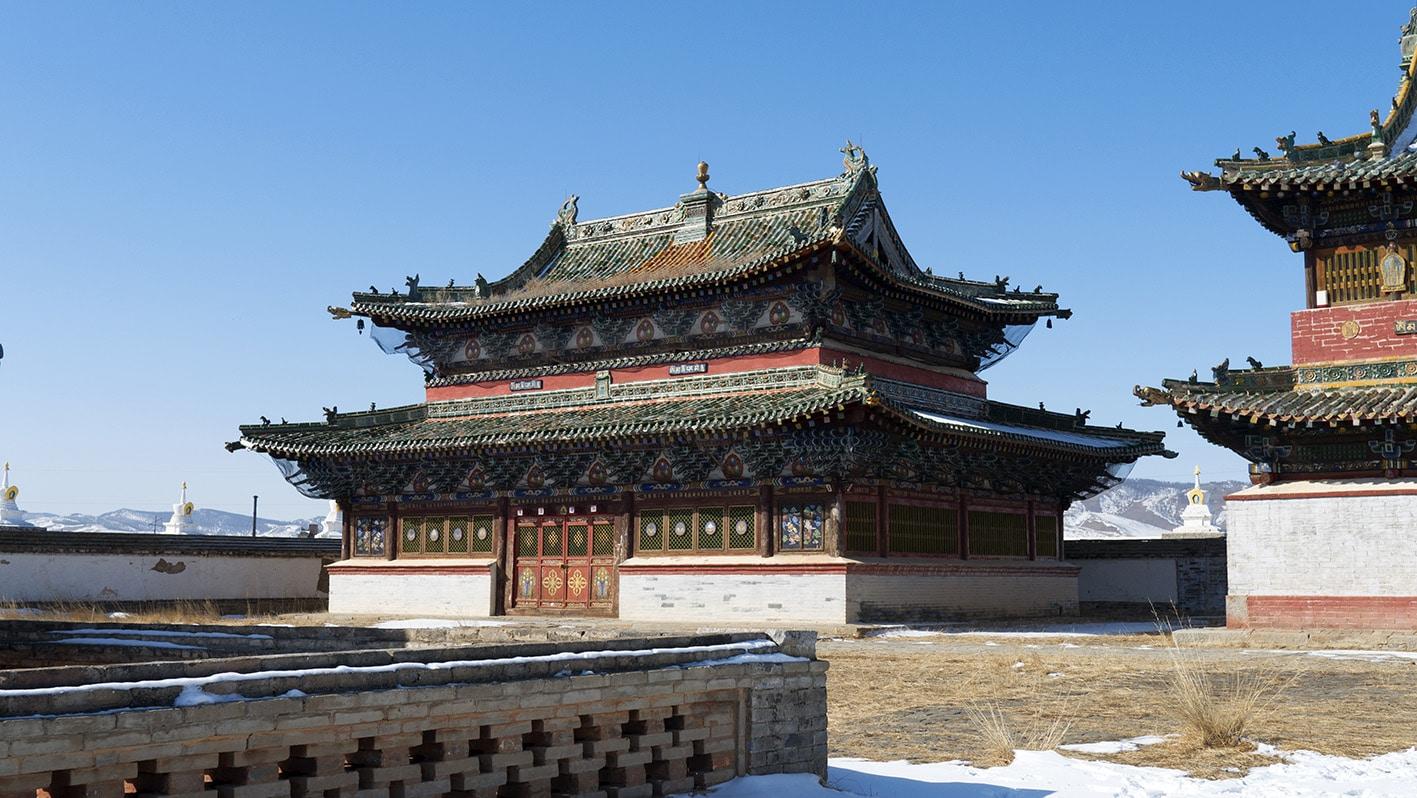 Erdene Zuu Mongolie temple neige ciel bleu