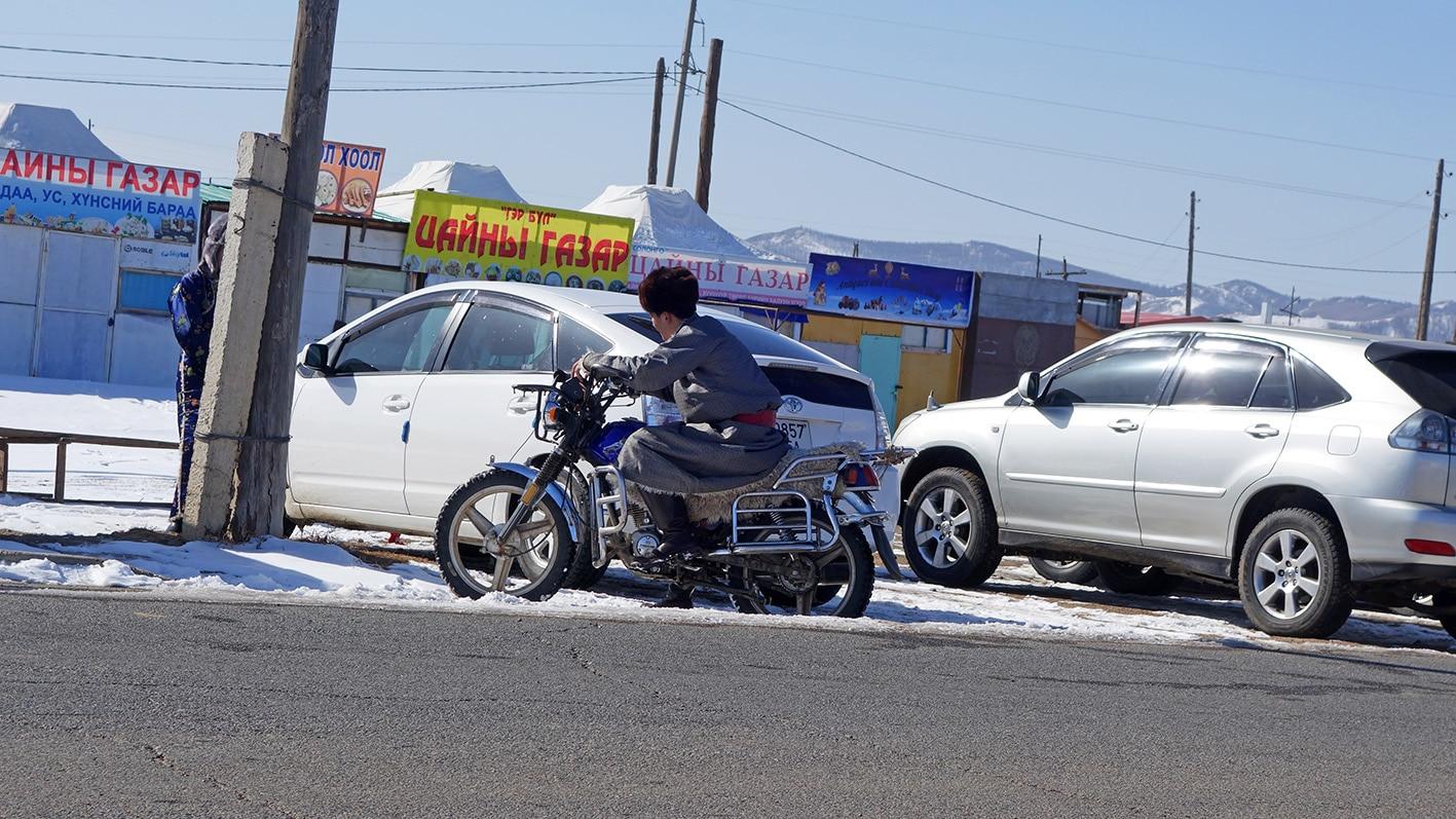 Karakorum moto voiture Erdene Zuu Mongolie