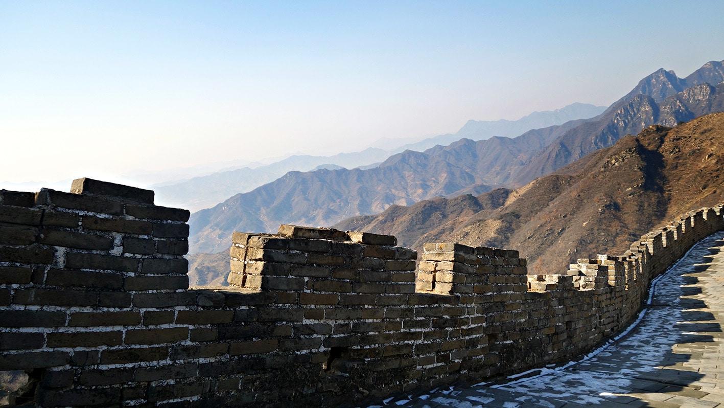 Muraille de Chine Pékin pierres ciel bleu montagnes