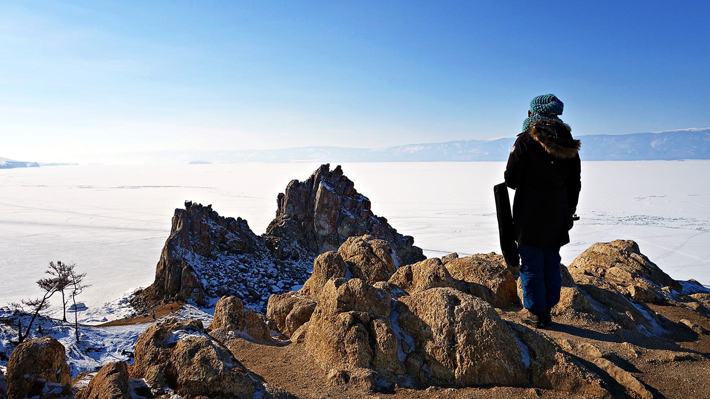 lac Baïkal en hiver neige chaman rubans