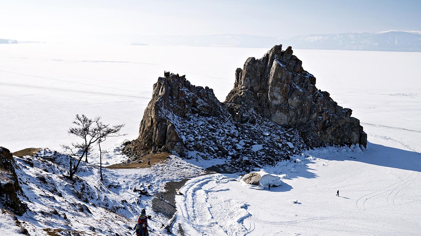 Lac Baïkal en hiver Rocher Bourkhan neige glace