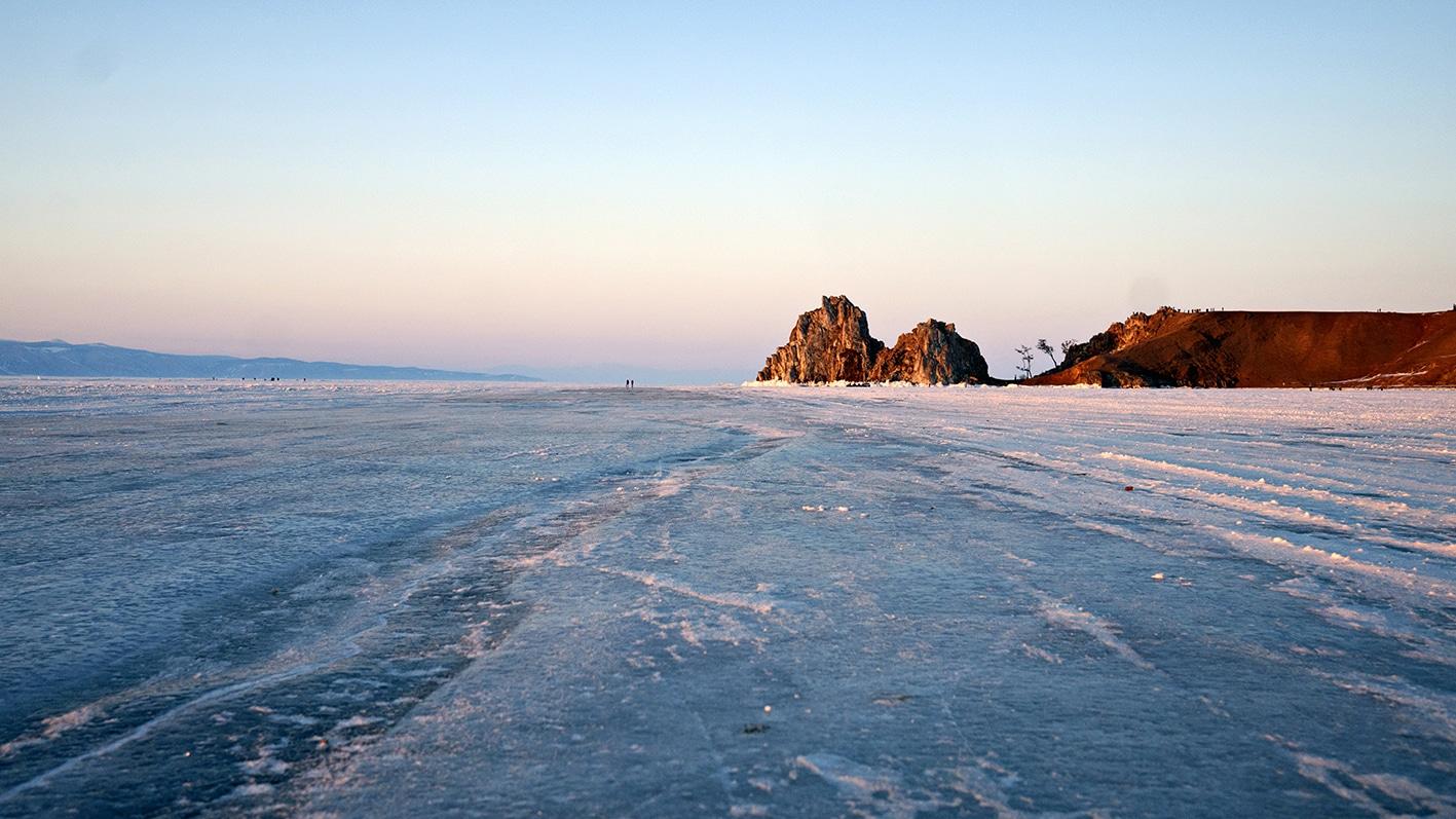lac baikal gelé coucher de soleil