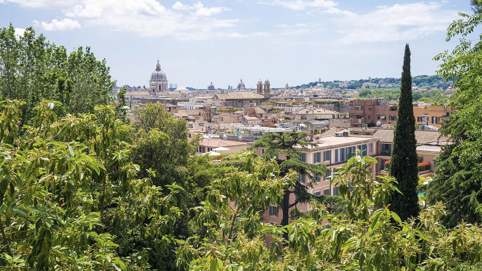 Jardins Borghese Romme en 3 jours verdure toits clochers ciel bleu