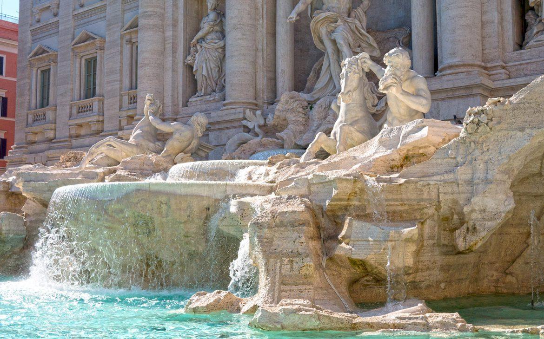 Fontaine de Trevi Rome en 3 jours eau claire statues cheval