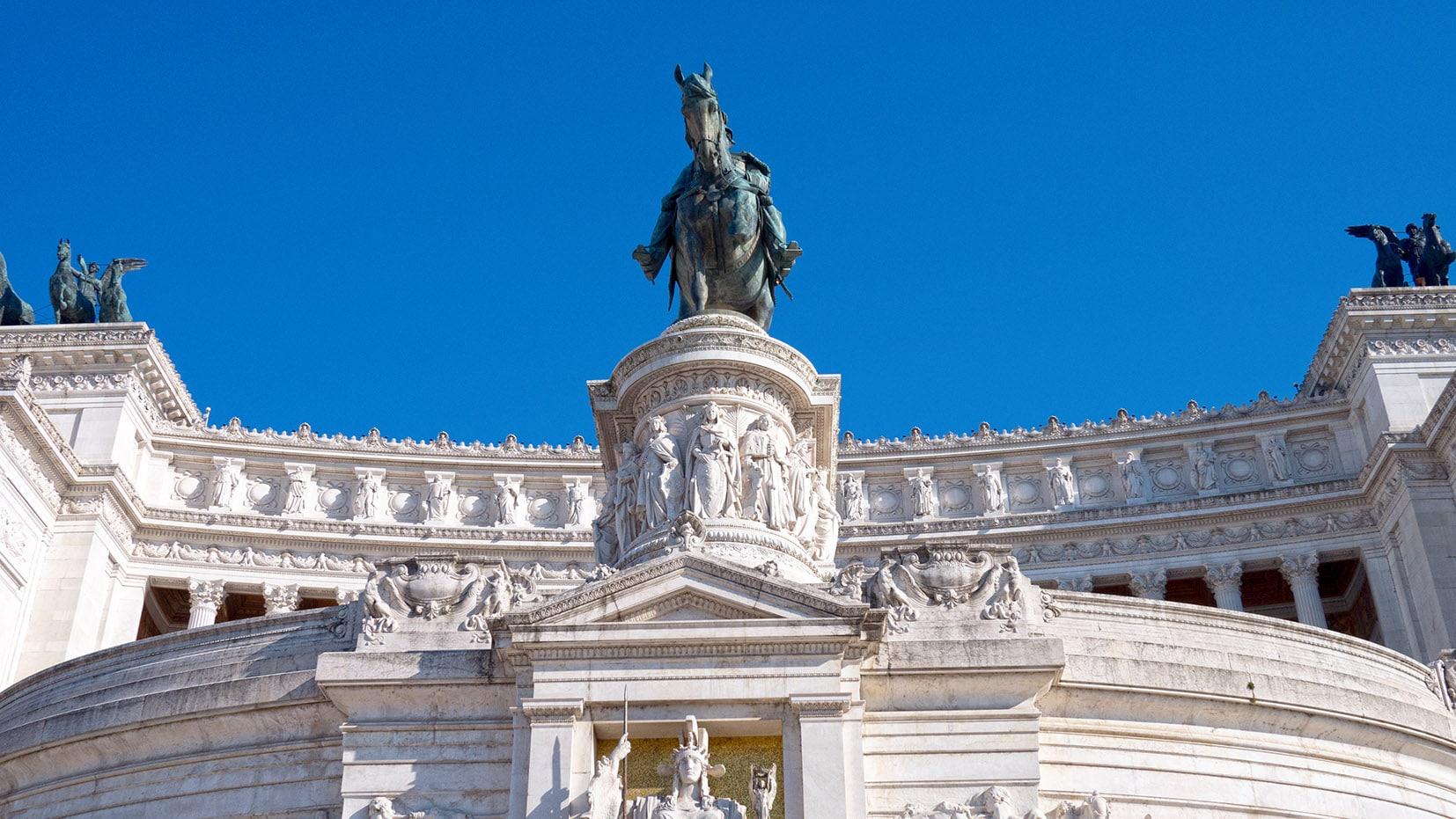 Italie Monument Emmanuel II blanc ciel bleu rome en 3 jours