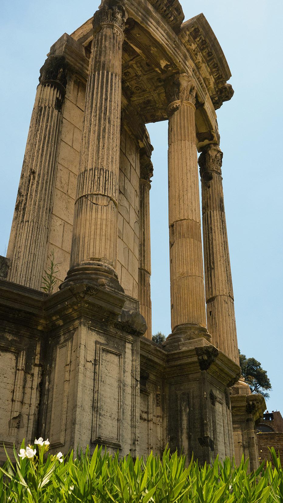 Rome en 3 jours forum romain colonnes ciel