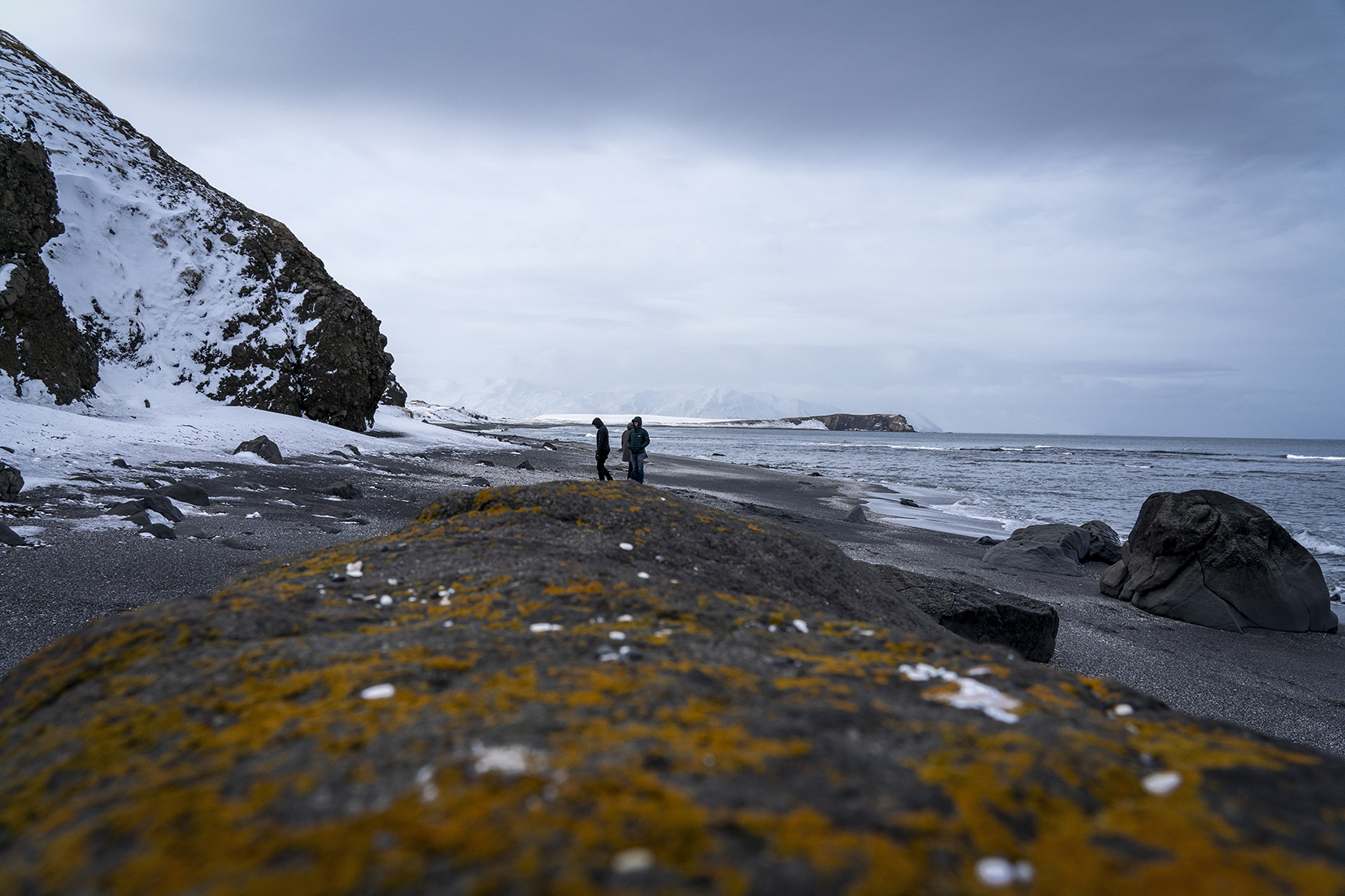 Islande du Nord plage sable noir neige
