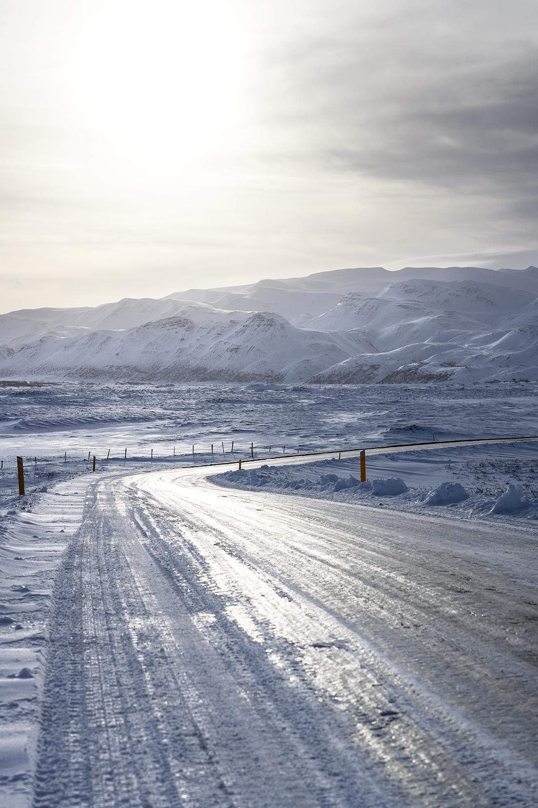Islande route soleil montagnes
