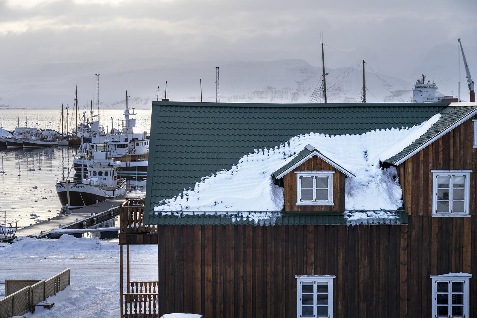 Húsavik port montagnes Islande du Nord bateaux