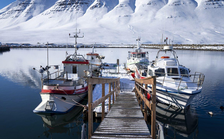 Ólafsfjörður port bateaux neige mer fjord Islande du Nord
