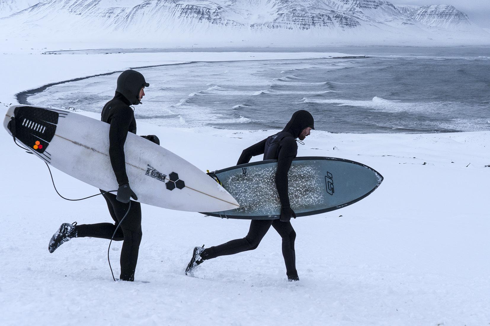 Islande du Nord surfers neige mer