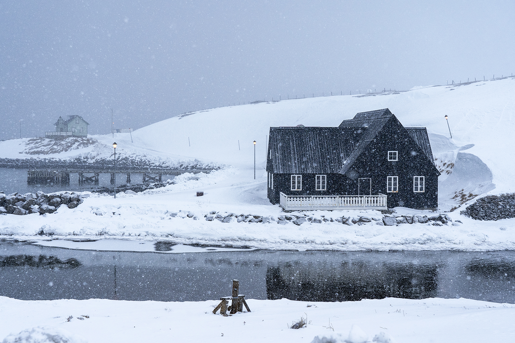 Islande du nord cabane Hofsos neige