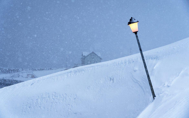 islan de en hiver Hofsos neige lampadadaire