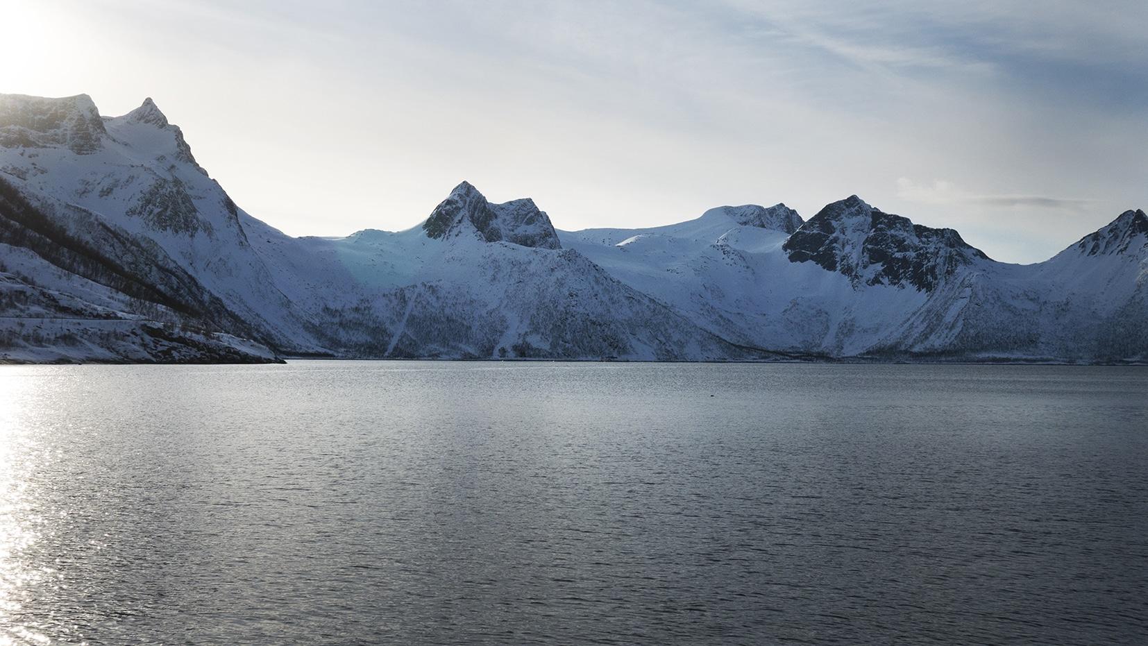 Mefjordbotn montagnes neige mer