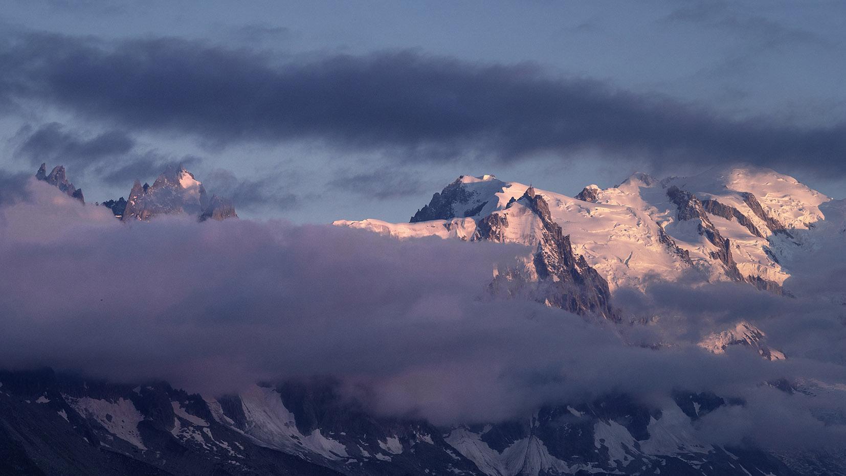 Massif Mont Blanc coucher de soleil Aiguille du Midi
