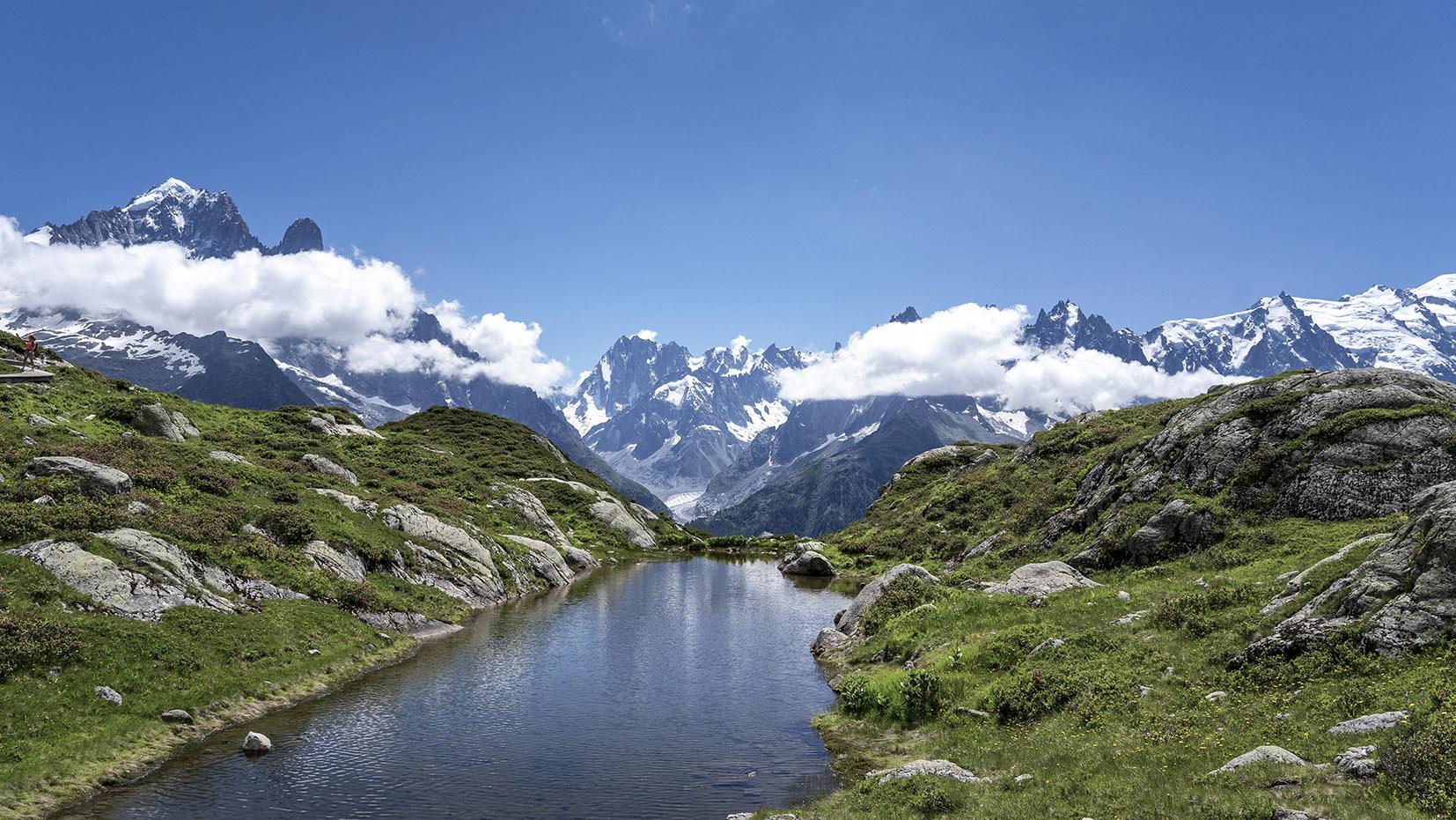 randonnée lac Blanc montagnes neige nuages