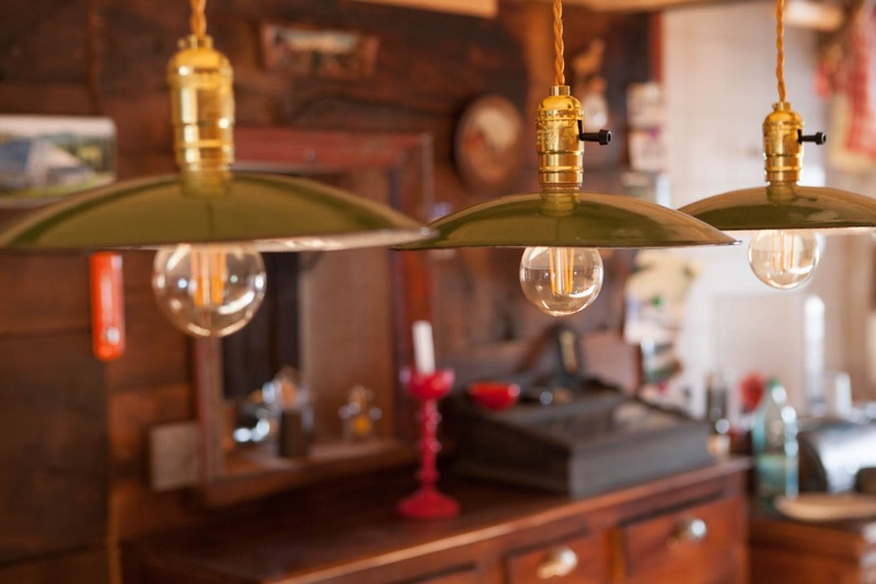 Chalet la Burdune lampes cuisine Jura