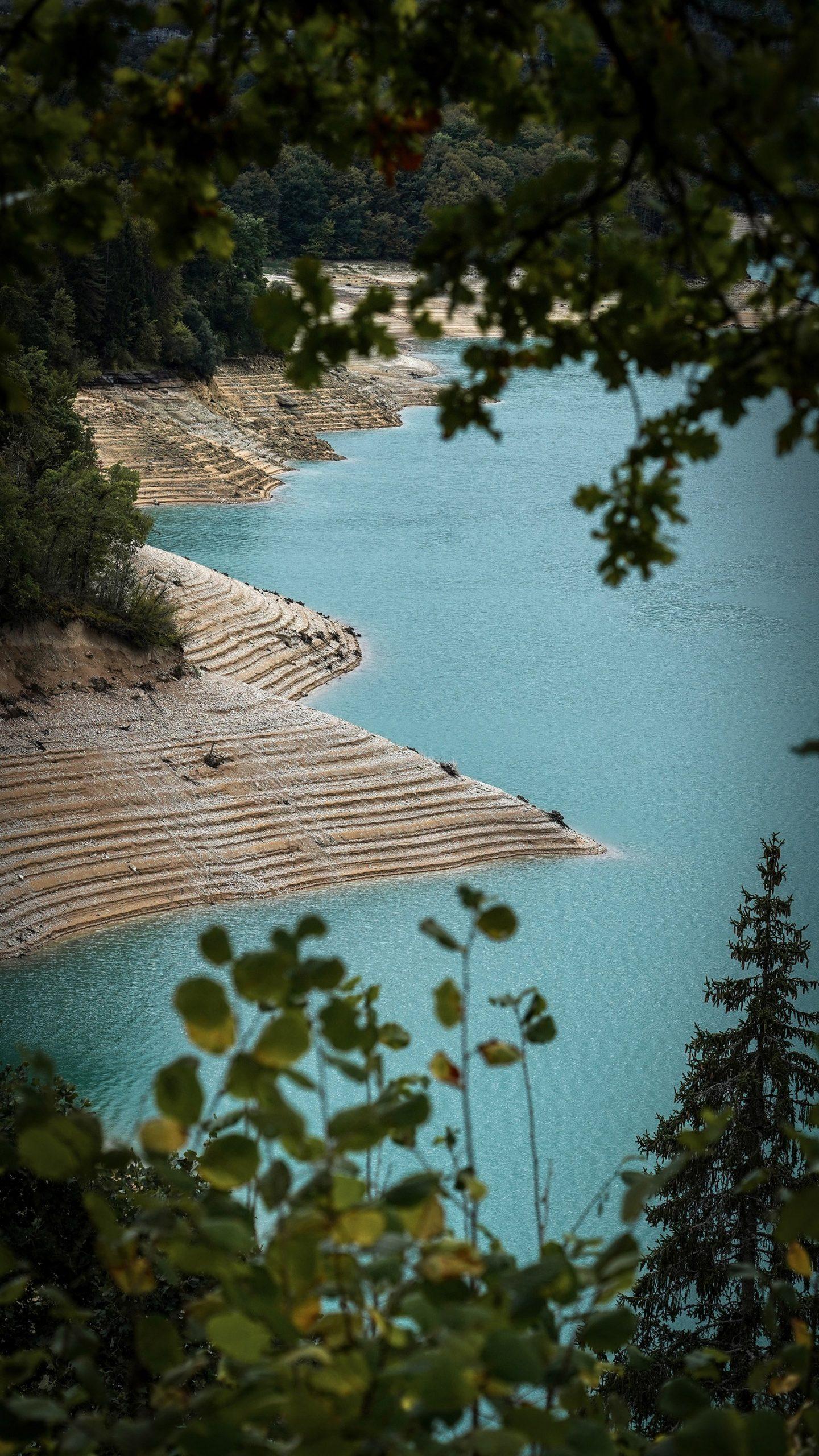 Jura lac de Vouglans arbres cadre
