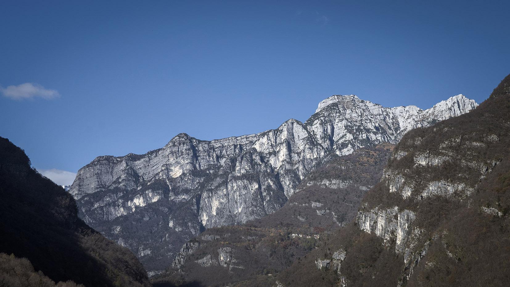 Parc national des Dolomites Bellunesi ciel bleu Italie