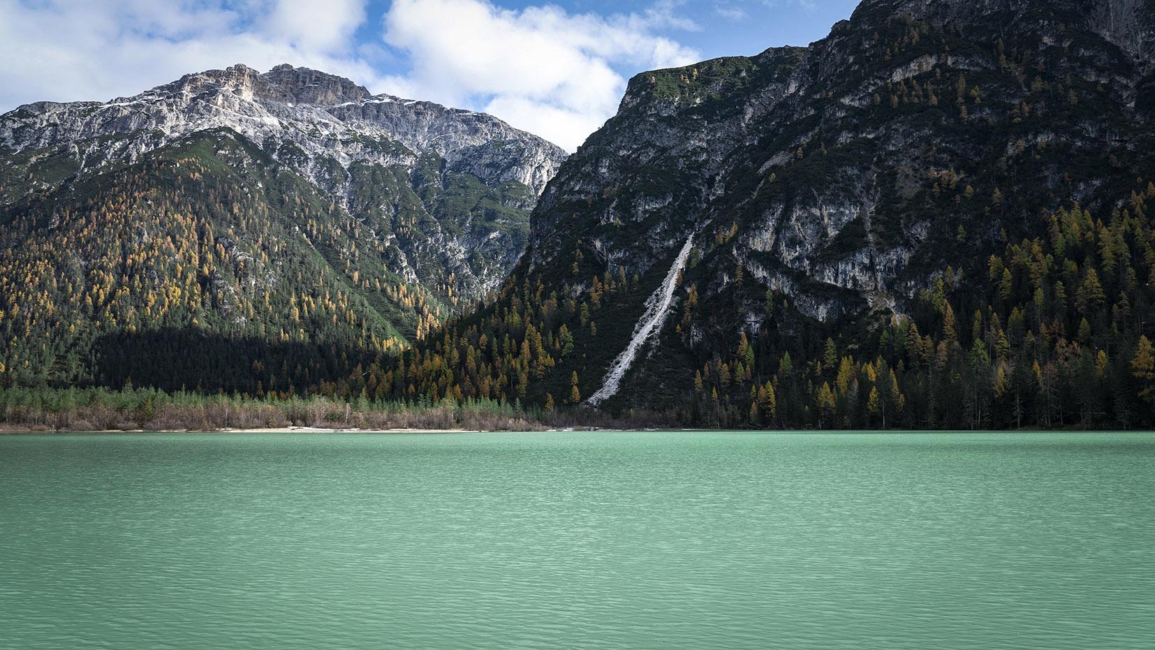 Une semaine dans les Dolomites lago di Landro eau verte montagnes automne
