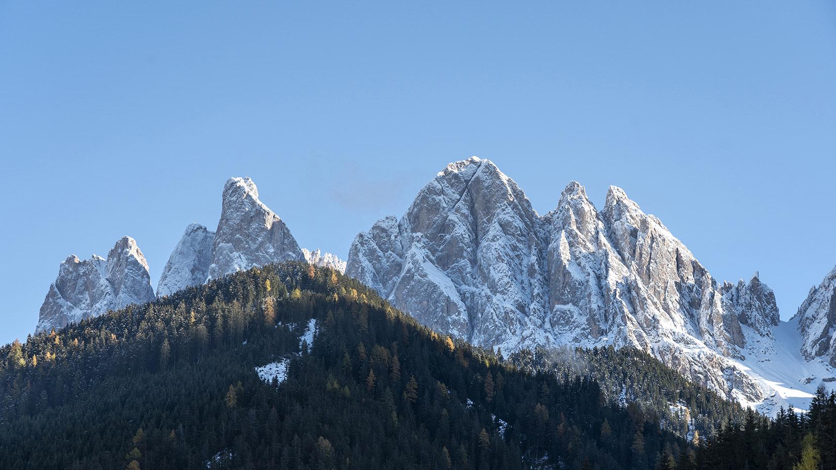vue Sass Rigais Santa Magdalena cimes neige sapins ciel bleu