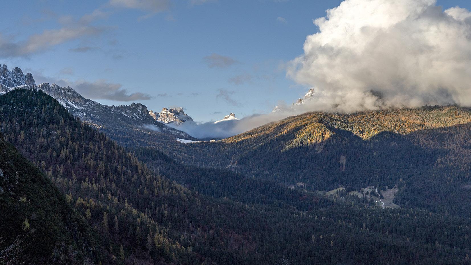 randonnée Sud-tyrol sapins automne coucher de soleil nuages