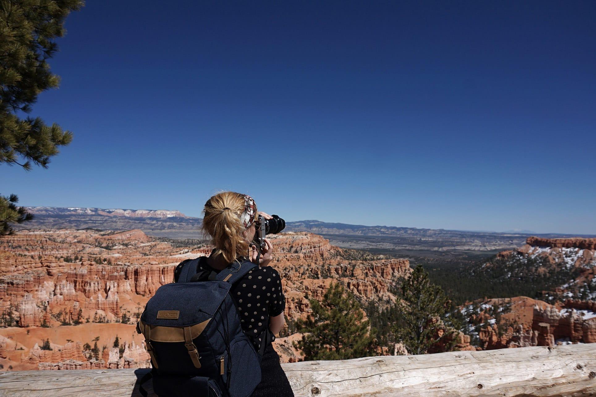 Parc National USA ciel bleu lykorne prend photo amphithéâtre roche ocre scenic drive  Bryce Canyon