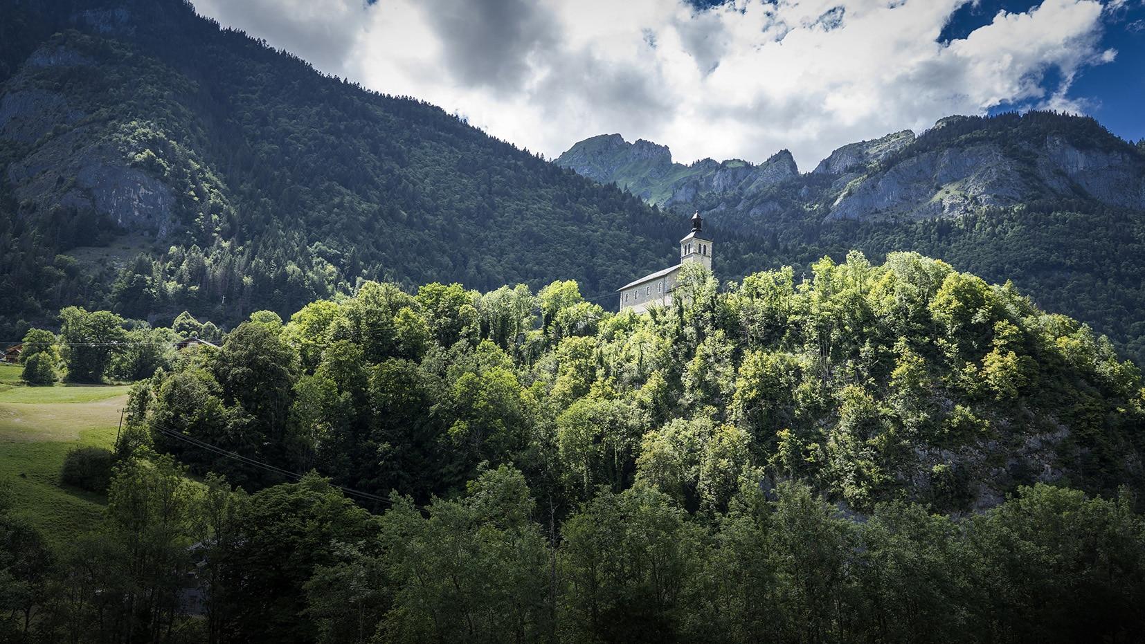 Haute-Savoie église la Baume montagnes