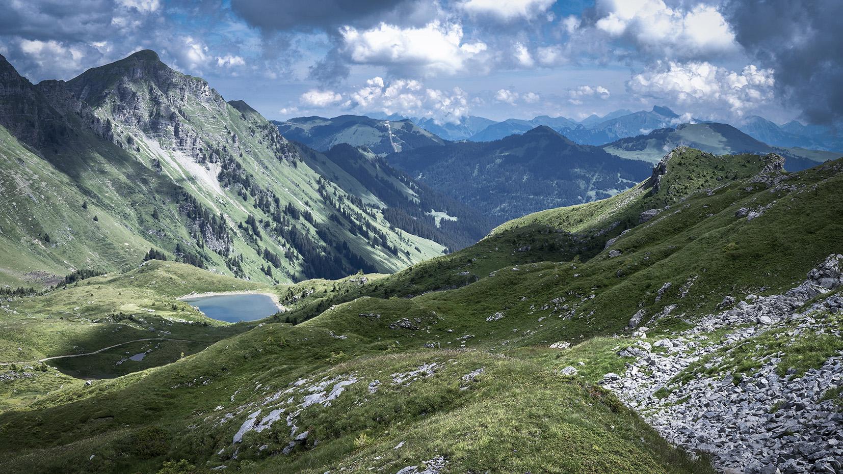 Haute-Savoie lac vert suisse